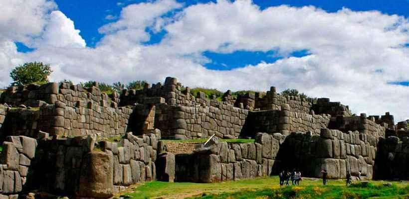City tours en Cusco, descubra la grandeza de los incas en Sacsayhuman